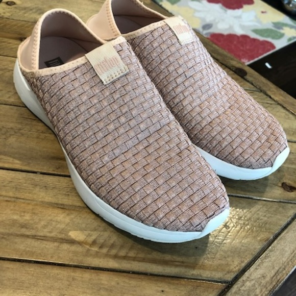 fitflop slip ons